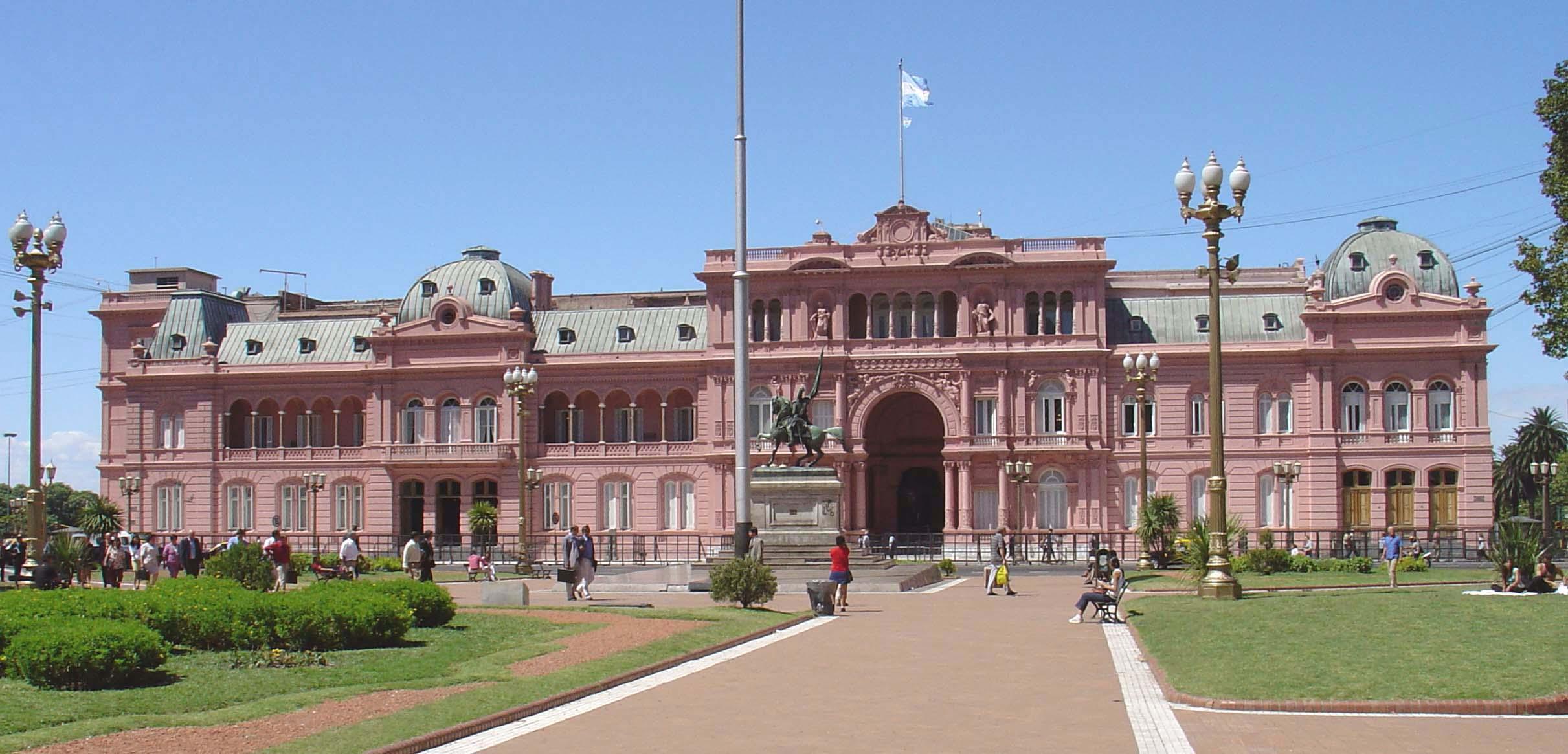El color de la casa de gobierno dolmen for Casa argentina